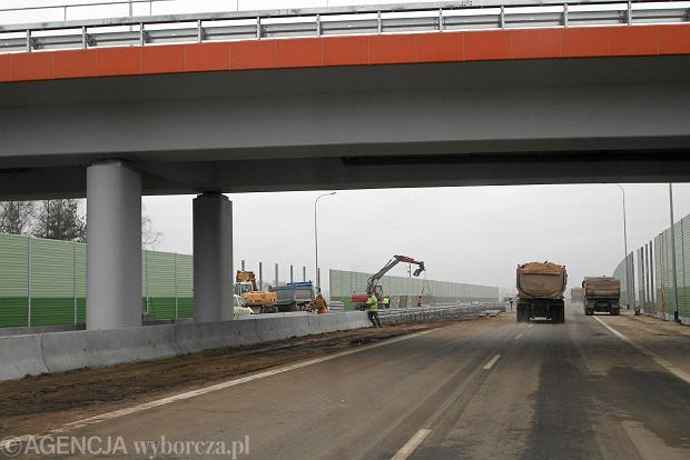Otwarto nowy odcinek drogi S8 pod �odzi�