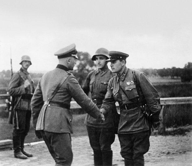 Глава МИД Польши предложил перенести празднование Дня Победы из Москвы - Цензор.НЕТ 2703