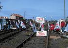 G�rnicy zablokowali tory na przej�ciu granicznym w Braniewie