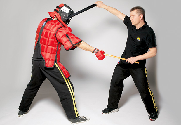 sztuki walki, mój pierwszy raz, Jak Filipińczyk z konopi