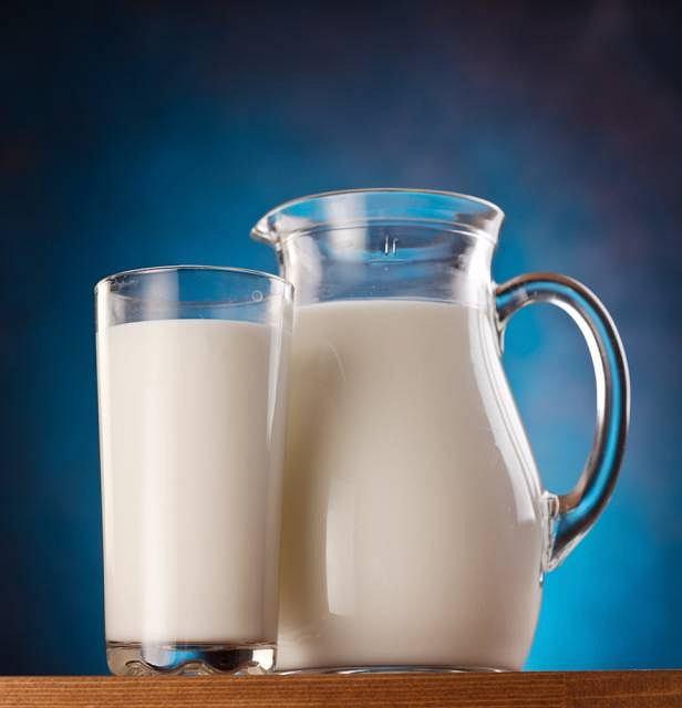 Źródłem zakażenia może być m.in. niepasteryzowane mleko