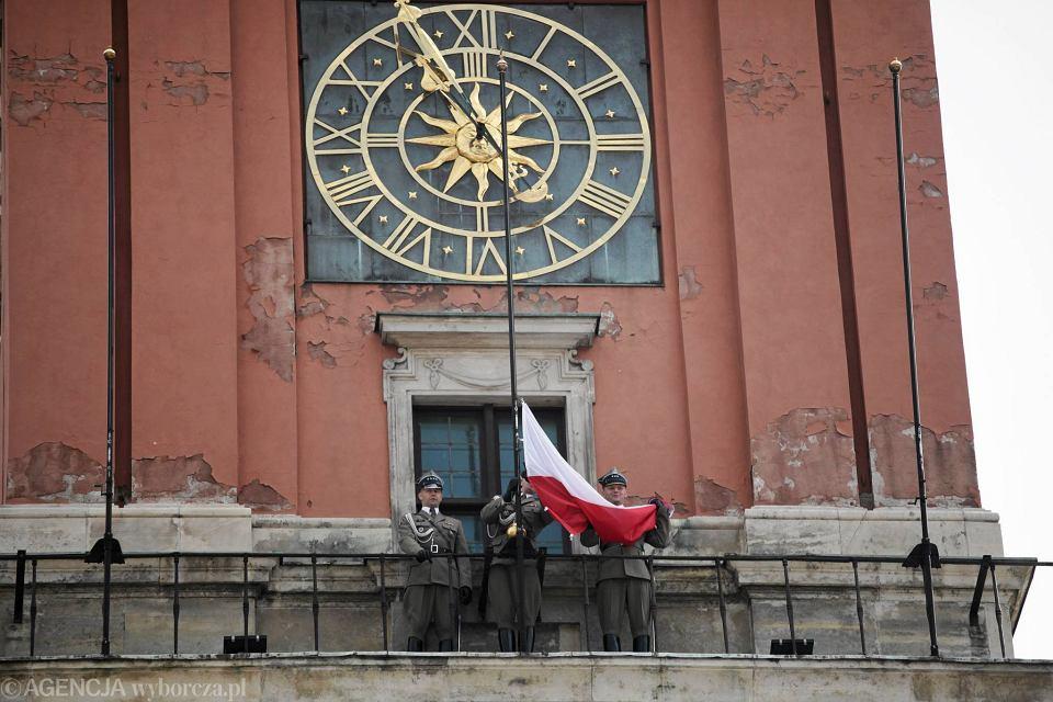 Zegar na wieży Zamku Królewskiego.