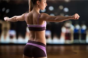 Trzy najskuteczniejsze ćwiczenia na smukłe i wyrzeźbione ramiona [FIT EXPRESS]