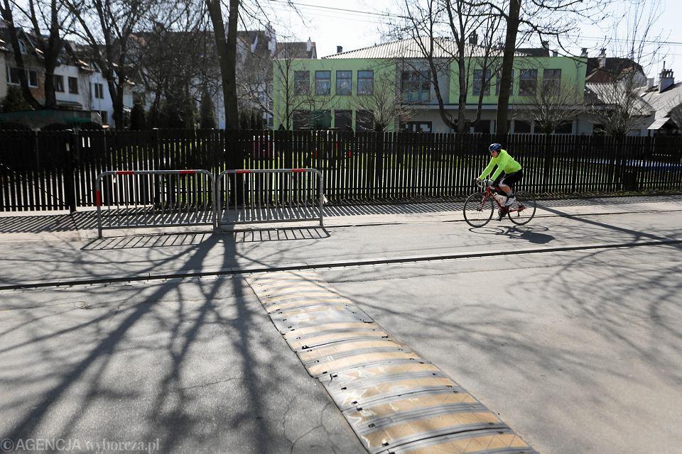 Ścieżka rowerowa w okolicy przedszkola przy ul. Twardowskiego.
