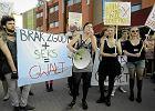 """""""Marsz Puszczalskich"""" w Gda�sku. Uczestnicy i uczestniczki protestowali przeciwko przyzwoleniu na przemoc seksualn�"""