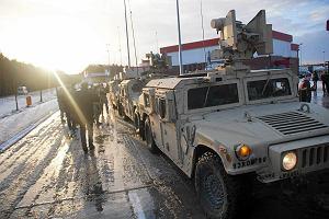 Półciężarówka armii USA zderzyła się z busem pod Żaganiem. Dwie osoby trafiły do szpitala