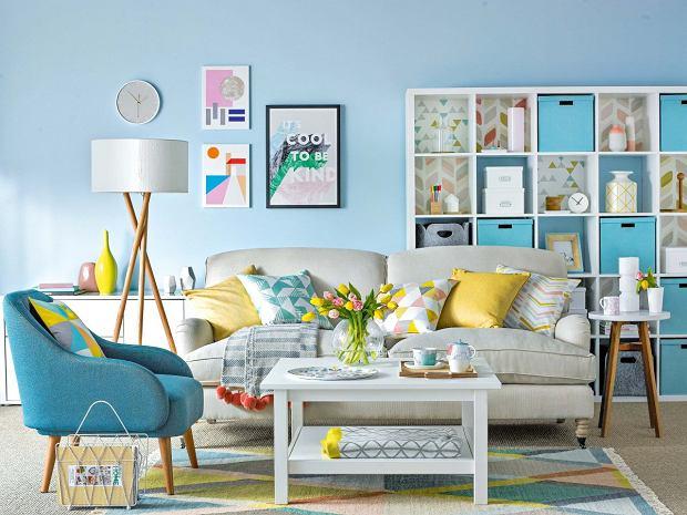 Aranżacja salonu w pastelowych kolorach