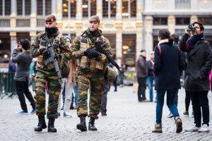 """Premier Belgii: """"Najwy�szy stopie� zagro�enia terrorystycznego. Gro�ba zamachu"""". W Brukseli nie kursuje metro, apel do mieszka�c�w"""