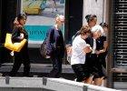 """Terrorysta okupowa� kawiarni� w Sydney. Wzi�� zak�adnik�w. Reakcja ludzi? """"Zr�bmy sobie tu selfie"""""""