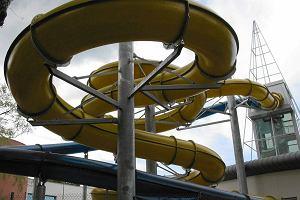 Wypadek w sopockim Aquaparku. Kobieta zjecha�a do basenu, w kt�rym nie by�o wody