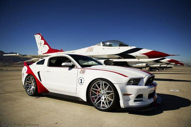 Ford Mustang U.S. Air Force Thunderbirds