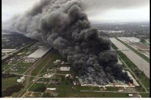Gigantyczny pożar w USA: płonie fabryka urządzeń przemysłowych General Electric w Louisville