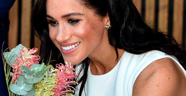 Meghan Markle po ogłoszeniu ciąży uczciła pamięć księżnej Diany. Założyła jej kolczyki i bransoletkę. Piękne!