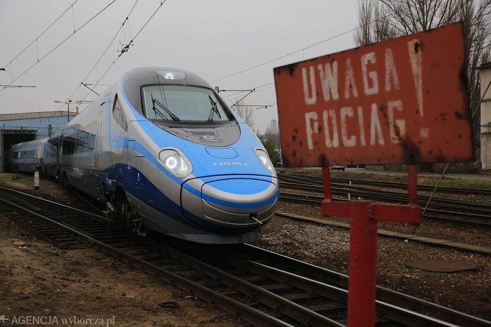 PKP - 'Uwaga Pociąg' (Pendolino). Warszawa, 27 listopada 2014