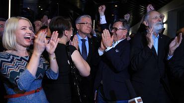 Prezydent Jacek Jaśkowiak podczas wieczoru wyborczego w sztabie Koalicji Obywatelskiej
