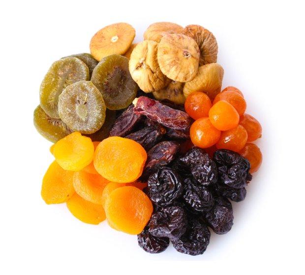Suszone owoce. Zdrowa przekąska czy bomba kaloryczna? [SUSZONE MORELE]