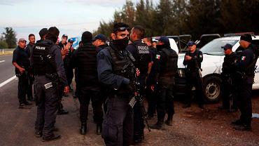 To największe starcie policji i gangów w Meksyku od kilku lat, jakkolwiek niejedyne - walka ze zorganizowaną przestępczością to chleb codzienny służb