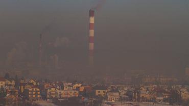 Pogoda w Polsce. W wielu miastach gęsty smog. Na zdjęciu - Kielce