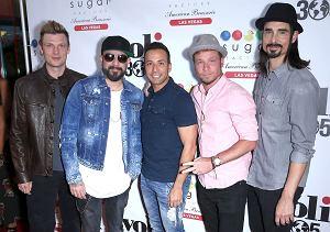 """Na ten dzień czekały miliony fanów na całym świecie. Panowie z Backstreet Boys powrócili po 5 latach z nowym singlem """"Don't Go Breaking My Heart""""."""