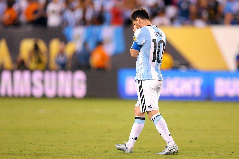 Zdjęcie numer 6 w galerii - Copa America 2016. Leo Messi w rozpaczy po porażce w finale [ZDJĘCIA]