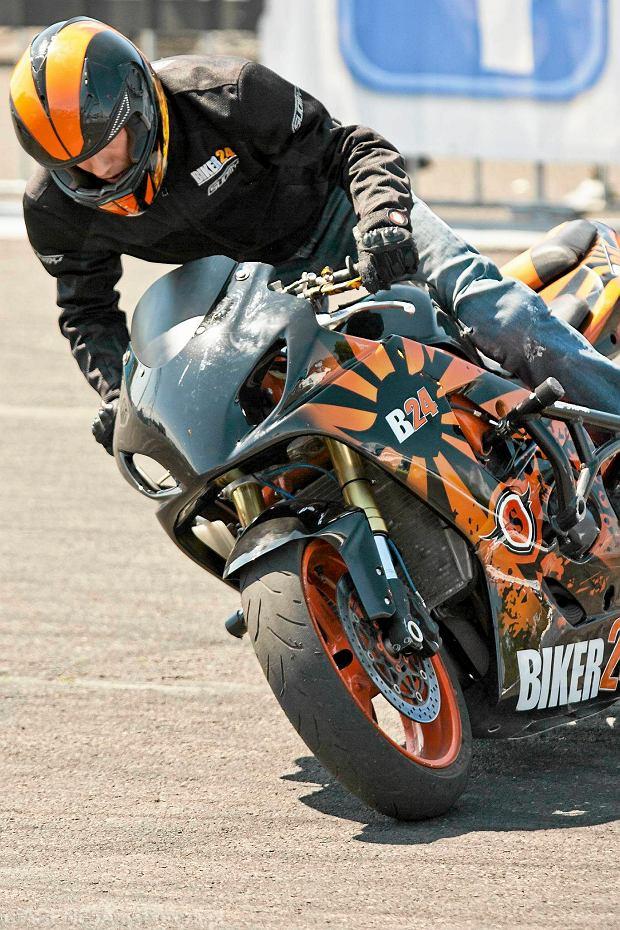 Stunt Grand Prix. Robi� cuda na motocyklu [ZDJ�CIA]