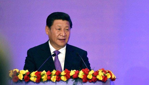 """Przewodnicz�cy Xi Jinping poluje na """"muchy i tygrysy"""", czyli na ma�ych i du�ych z�odziei"""