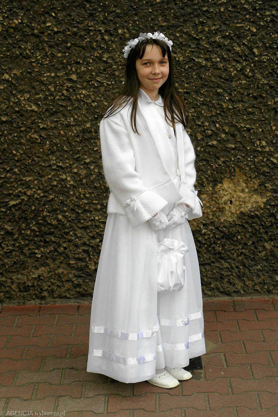57770a161c Pierwsza komunia. Skromne alby czy rewia mody  W historii Opola bywało  różnie... - zdjęcie nr 15