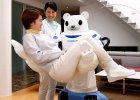 Robot zamiast opiekunki. Zakr�ci kran, wezwie pogotowie