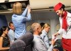 1/4 stewardes jest molestowana przez pasażerów. Smutne wyniki ankiety dla pracownic/-ków linii lotniczych