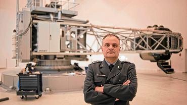 Płk dr Olaf Truszczyński to jeden z najwybitniejszych specjalistów od psychologii lotniczej. Jest kolejną ofiarą czystek Macierewicza wśród żołnierzy, którzy po katastrofie 10 kwietnia 2010 r. pracowali przy śledztwie i w komisjach badających tragedię