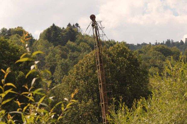 """Ropa naftowa coraz ta�sza, """"mo�liwe naciski w sprawie interwencji"""""""