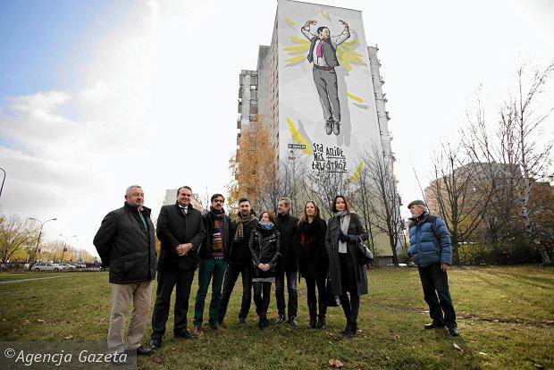 Uk triumfalny w wi le bu awa z tarasem widokowym anio for Mural alternatywy 4