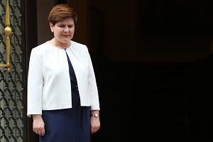"""""""Zadarła z Brukselą i również dla Berlina jest niewygodna"""". AFP przed spotkaniem Szydło z Merkel"""