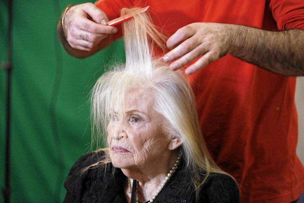85-letnia Sarah Israel podczas przygotowań do konkursu