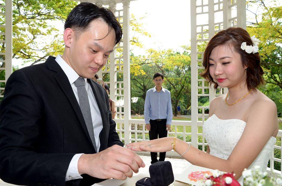 Zamówili Na ślub Profesjonalnego Fotografa Dostali Najgorsze
