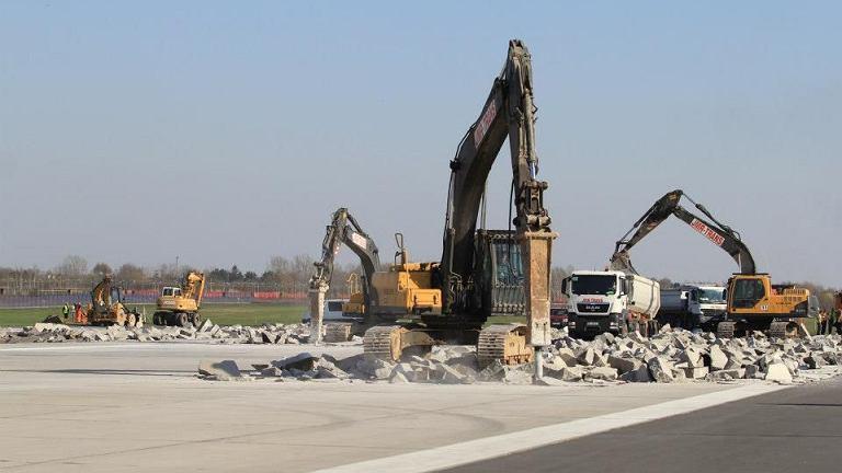 Remont dłuższego pasa startowego na Lotnisku Chopina