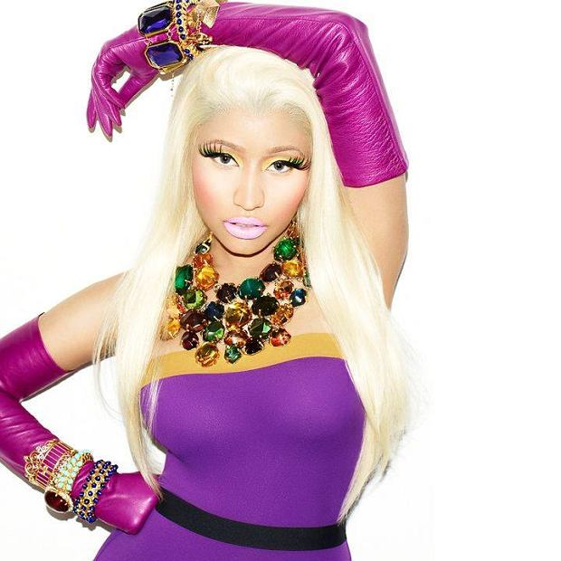 """Jeśli mielibyśmy wymienić listę artystów, którzy lubią eksponować swoje ciało, Nicki Minaj z pewnością zostałaby uwzględniona. Na okładce magazynu """"Paper"""" pokazała swoje atuty we właściwym dla siebie stylu. Czy to zapowiedź nowej płyty, czy tylko kolejna prowokacja? A może Minaj widzi się w roli fotomodelki? Zobaczcie sami."""