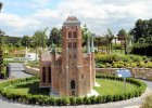 Już ponad 60 tys. gości odwiedziło opolski park miniatur [ZDJĘCIA]