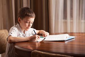 Indywidualne nauczanie tylko w domu. MEN odcina dzieci niepełnosprawne od rówieśników