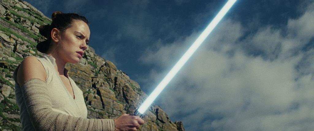 Daisey Ridley jako Rey w filmie 'Gwiezdne wojny: Ostatni Jedi', reż. Rian Johnson / Fot. AP