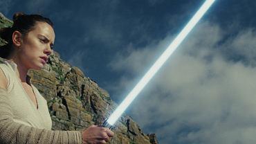 Daisey Ridley jako Rey w filmie 'Gwiezdne wojny: Ostatni Jedi', reż. Rian Johnson