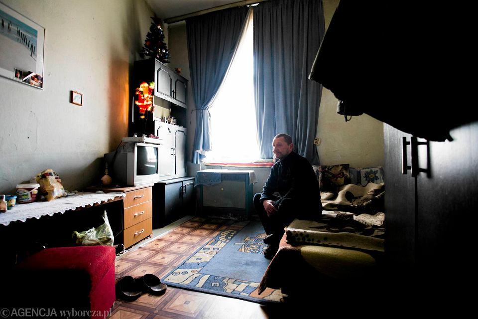 Mieszkancy Kamienicy Przy Karolkowej Mowia Ze Zyja Jak W Xix Wieku