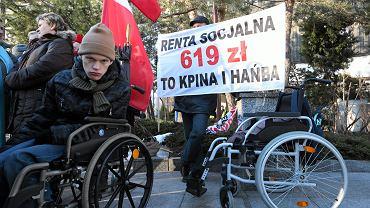 Protest rodzicow dzieci niepelnosprawnych