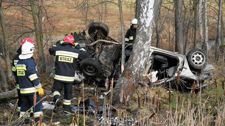 Wypadek w Gałkówce na drodze krajowej nr 61 między Łomżą a Ostrołęką. Pięć ofiar śmiertelnych