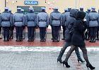 Policjanci za karę pieszo patrolują autostrady A4 i A1