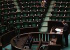 Rzecznik praw obywatelskich mówił do pustego Sejmu. Posłowie tłumaczą się z nieobecności