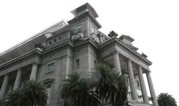 Hotel Fullerton, w którym ma zamieszkać Kim Dzong UN