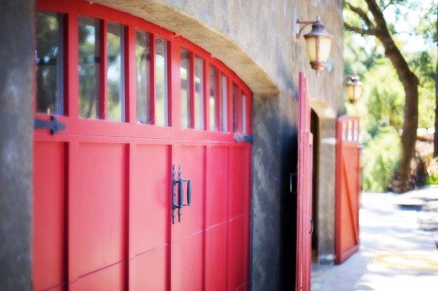Wolnostojący garaż - stawka VAT