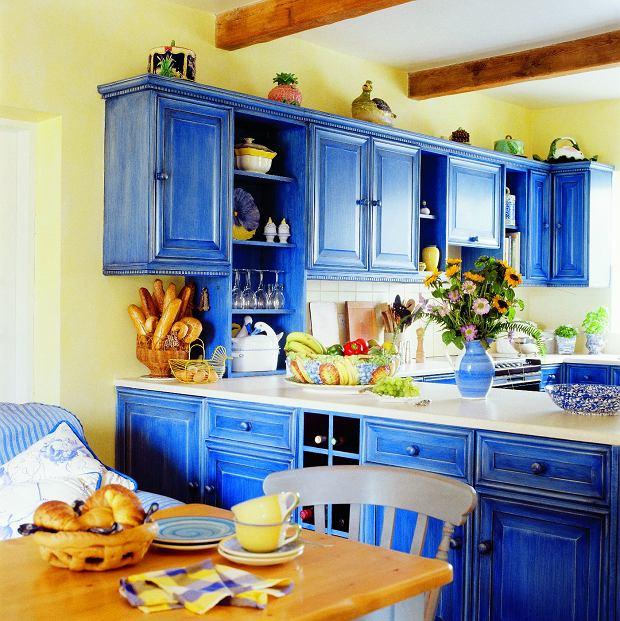 Farby: Czym malować drewno, metal, okna albo grzejniki? Farby do zadań specjalnych