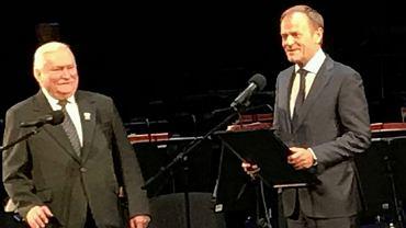Na 75. urodzinach Lecha Wałęsy pojawił się Donald Tusk; Fot. Facebook Lech Wałęsa